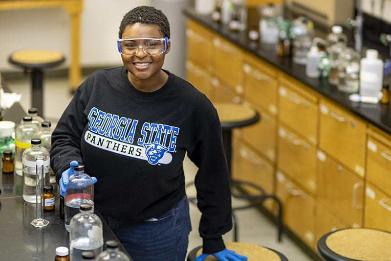 Georgia State student Jayln Martin in the Chemistry lab.